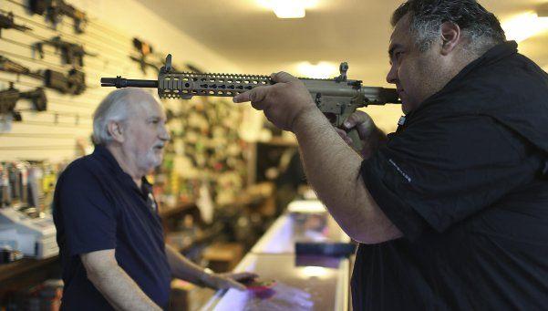 Obama decretó mayor control en la venta de armas