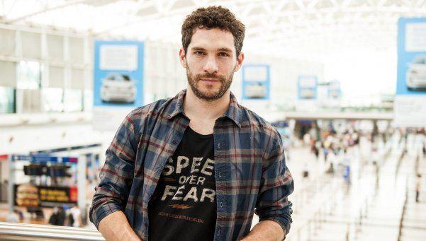 Hola y Adiós: historias de emoción en el aeropuerto