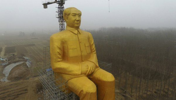 Gigantesco homenaje a Mao en China: una estatua de 36 metros