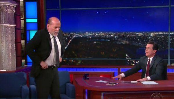 Video | Bruce Willis, a las piñas en estudio de televisión
