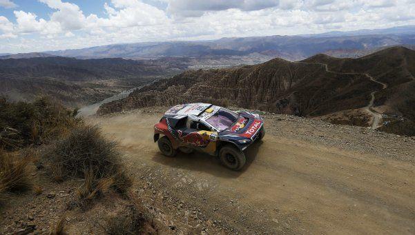 Dakar: Loeb sigue dominando entre los autos