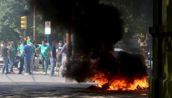 Protesta en Neuquén: reprimieron con balas de goma a estatales
