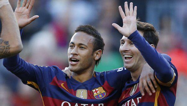 Barcelona goleó a Granada con un triplete de Messi