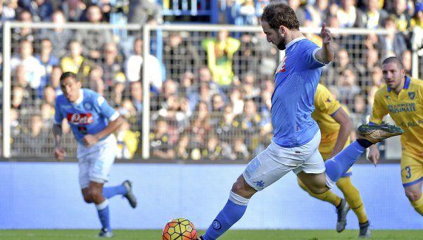 Napoli, líder del campeonato y Maradona se ilusiona con el título