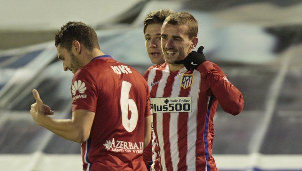 Atlético Madrid goleó y se mantiene a tiro de Barcelona