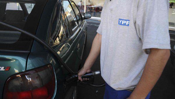 Se podrá extraer dinero en efectivo en estaciones de servicio de YPF