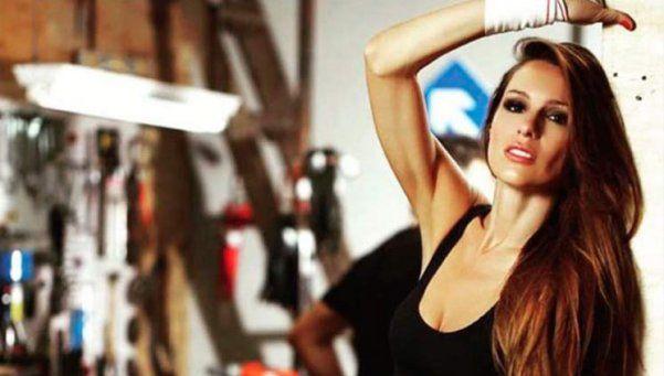 Para Vicuña que lo mira por la web: Pampita, más hot que nunca