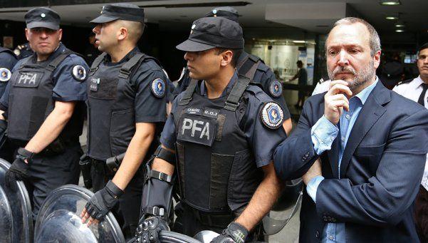 La Policía impidió el ingreso de Sabbatella a la AFSCA