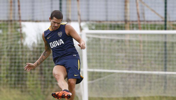 Fernando Gago hizo fútbol por primera vez desde su operación