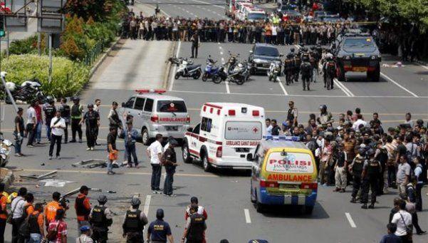 Al menos siete muertos en un atentado en Indonesia