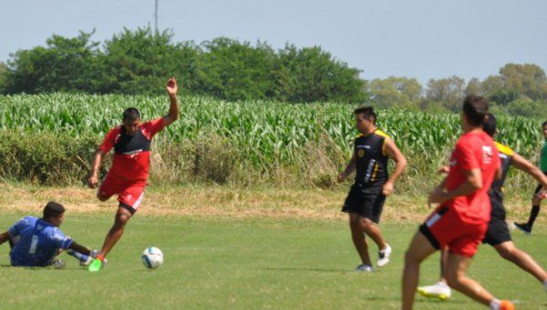 Wanchope Abila le cantó cuatro goles al Canario