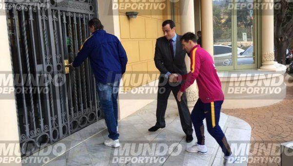 Oficial: Messi sólo sufre pequeñas molestias en el muslo