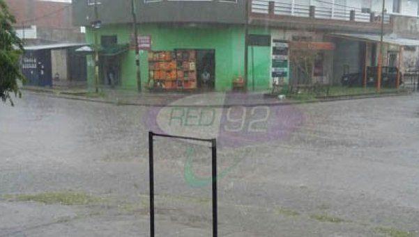 Intensa tormenta en La Plata: cayó granizo y hubo calles anegadas