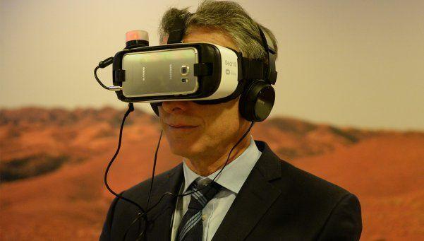 Realidad virtual, la reina y todas las fotos de Macri en Davos