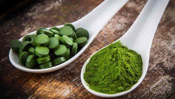 La espirulina y el té verde para estar en forma