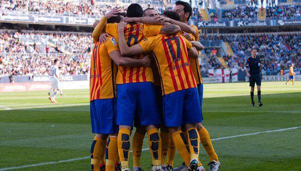 Con un golazo de Messi, Barcelona venció a Málaga y llegó a la punta