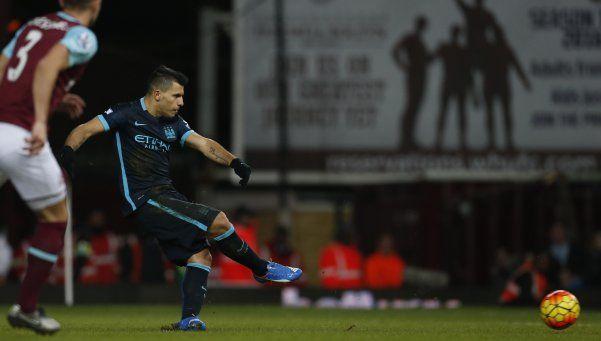 El City empató con el West Ham gracias al Kun