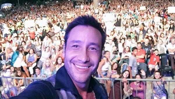 Con selfies y buena música Luciano Pereyra emocionó a Cosquín