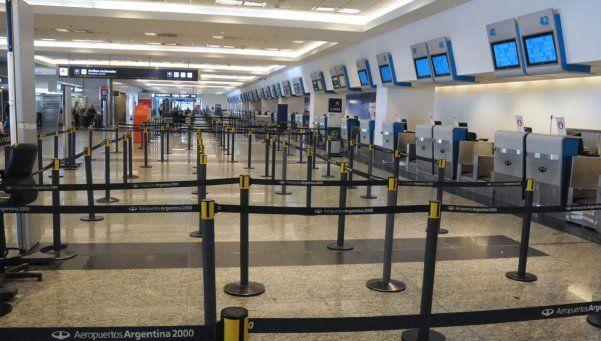Se normalizaron los vuelos, pero seguirán condicionados por el paro