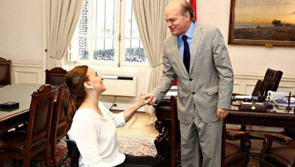 Michetti llegó a Chile y se reunió con Bachelet y el  presidente del Senado