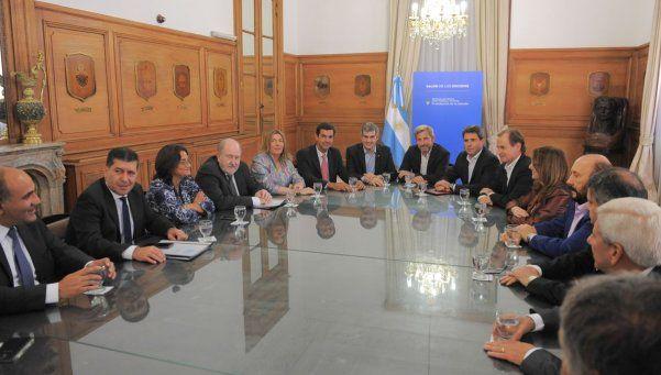 Coparticipación: Frigerio y Peña recibieron a gobernadores del PJ