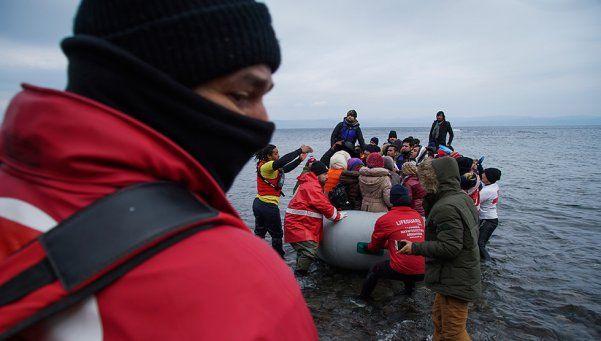 Tragedia en el mar Egeo: mueren ahogados 33 refugiados