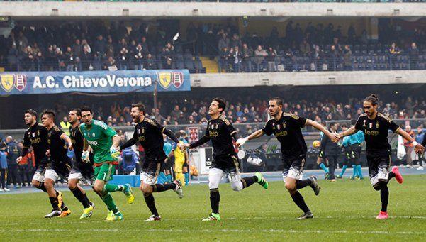 Juventus goleó a Chievo y va por la punta del Calcio