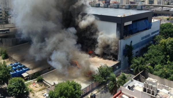 Canal 13 y TN interrumpieron la transmisión por un incendio