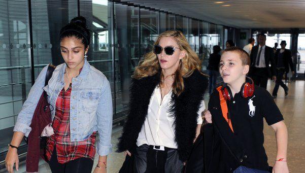 Madonna viajó a Londres para recuperar a su hijo