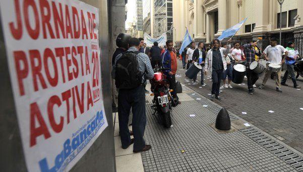 No hay paro de bancos, pero las protestas afectarán la atención