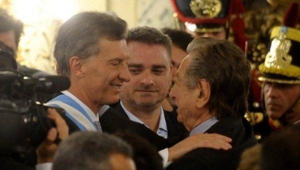 Macri le reclama a su padre que le entregue documentación