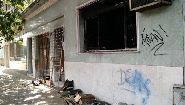 Horror: su hijo la ató a la cama, se incendió la casa y murió
