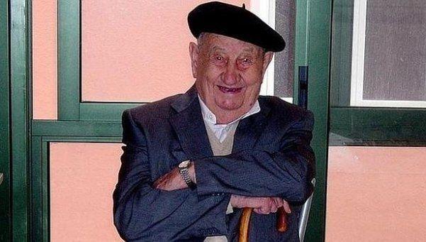 Murió a los 107 años el hombre que sólo bebió vino en su vida