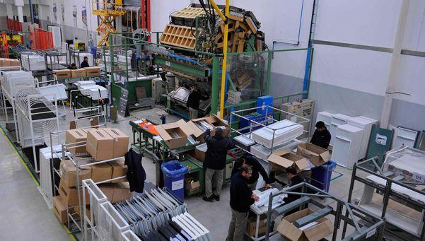 Reincorporan a 60 trabajadores en la fábrica SIAM
