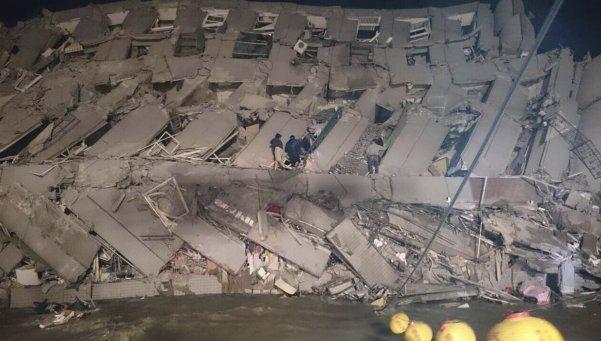 Sismo en Taiwán provocó el colapso de dos edificios