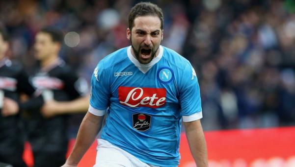 Serie A: Higuaín estiró su racha y Napoli sostuvo el liderazgo