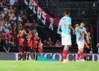 Ruiz le dio la victoria a Colón frente a Arsenal y se fue expulsado