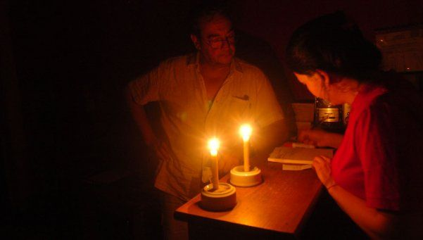 Hay más de 11 mil usuarios sin luz en Capital y Provincia