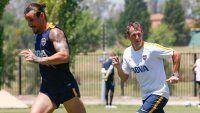 El Vasco duda por Osvaldo y también por la táctica