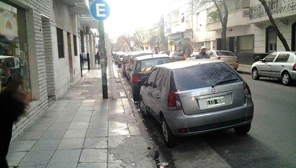 Buscan erradicar a los trapitos en Lanús centro