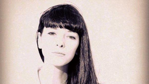 Quién es la bajista que llevó a Andrea Rincón a la bisexualidad