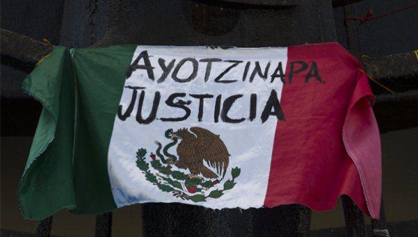 Peritos argentinos descartan versión oficial sobre Ayotzinapa