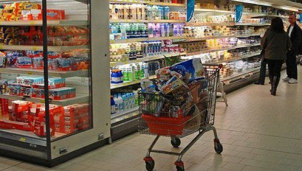 Supermercadistas salen a despegarse de los precios