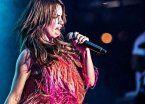 Video | Lali Espósito se tragó un bicho y debió suspender un show