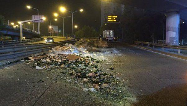 Puente Pueyrredón, cortado por accidente vial