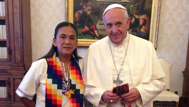 El Papa Francisco le envió un rosario y su apoyo a Milagro Sala