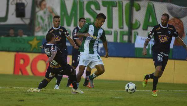 Banfield y Quilmes empataron en un encuentro vibrante