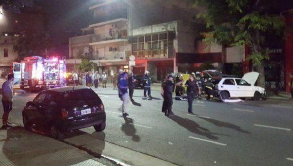 Parque Chacabuco: corría una picada contra una moto, chocó y se mató