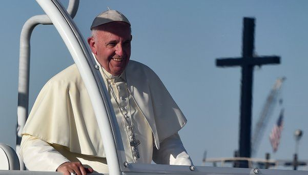 El Papa, duro con Donald Trump: No puede proclamarse cristiano