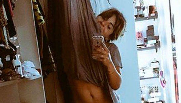 """Gianinna Maradona, la selfie en tanga y los """"carlonchos"""""""